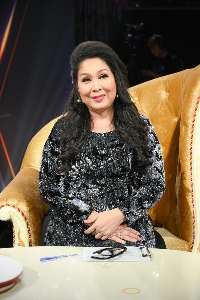 Xôn xao cuộc trò chuyện của NSND Hồng Vân và một đạo diễn 'mỉa mai' bà Phương Hằng: 'Coi mà ngứa mắt' Ảnh 3