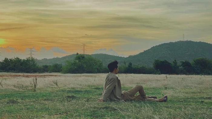 Đen Vâu 'nhá hàng' MV mới: Tóc tai bù xù, râu đầy đất và loạt cảnh quay ấn tượng Ảnh 2