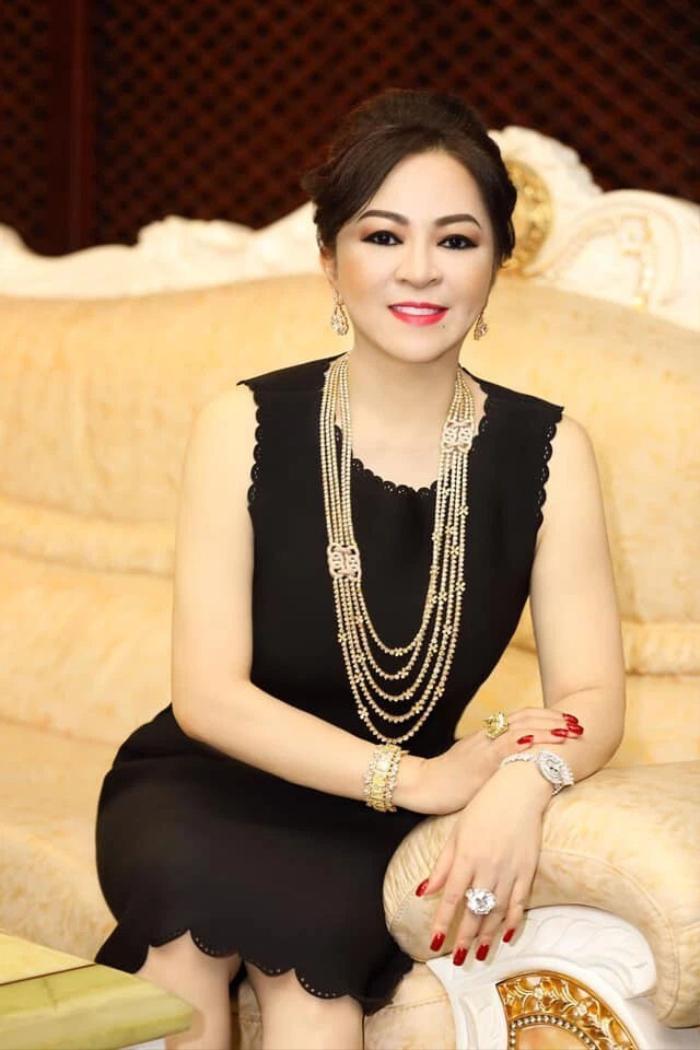 Bà Phương Hằng tuyên bố đanh thép: 'Cấm cửa tuyệt đối giới nghệ sĩ đến Khu du lịch Đại Nam' Ảnh 1