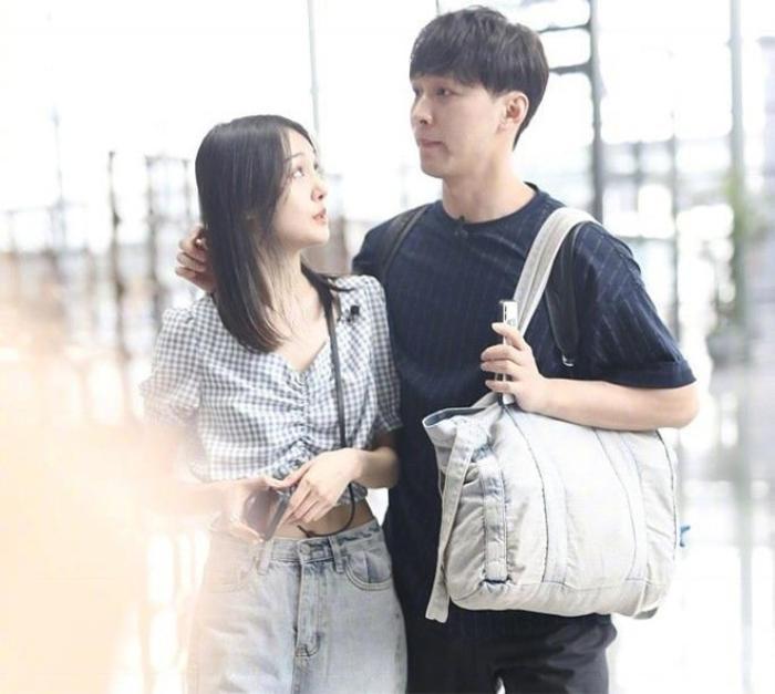 Bố mẹ Trịnh Sảng bàn 'kế sách' ly hôn dù tuổi đã xế chiều nhằm tẩu tán tài sản giúp con gái? Ảnh 2