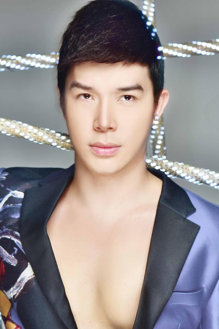 Nathan Lee lên tiếng bênh vực bà Phương Hằng, chỉ trích một vài nghệ sĩ sống 'hèn' Ảnh 3