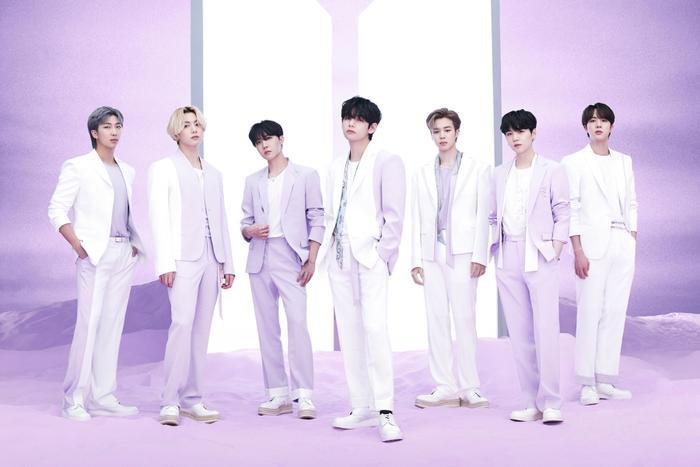 Kpop 'căng não' trên BXH World Album: BTS thống trị, ITZY vượt mặt BlackPink, SuperM kiên quyết bám trụ Ảnh 2