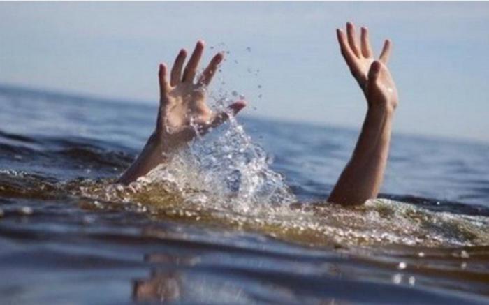 Nam Định: 18 học sinh rủ nhau đi chơi, 3 em bị nước cuốn mất tích Ảnh 1