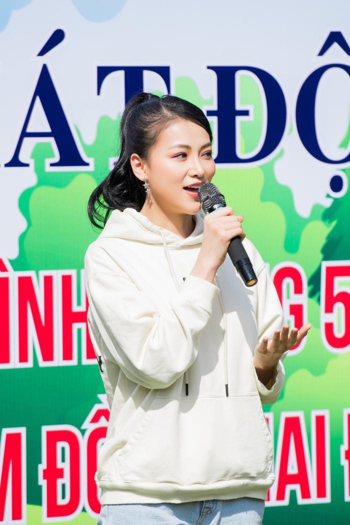 Phương Khánh 'mướt mồ hôi' cùng Ngọc Tình và dàn người đẹp Miss Earth trồng cây phủ xanh Ảnh 6
