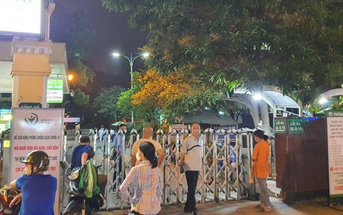 Hà Nội: Bàng hoàng phát hiện người đàn ông tử vong khi rơi từ tầng 5 Bệnh viện Việt Đức Ảnh 1