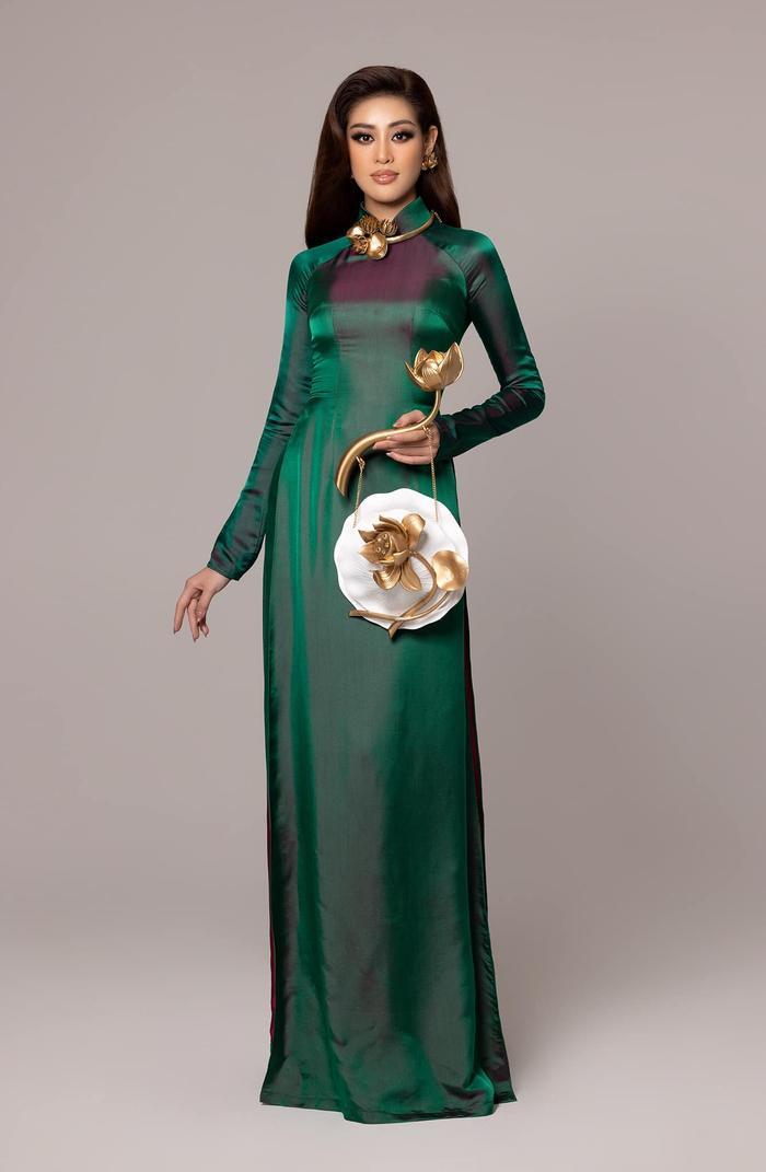 Khánh Vân diện áo dài họa tiết Hoa sen ấn tượng: Trang phục được fan mong chờ nhất đây rồi! Ảnh 1
