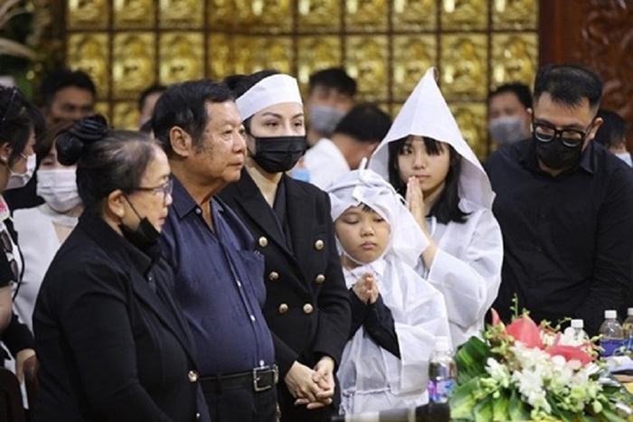 Mẹ Vân Quang Long lên tiếng vụ con dâu cũ bị đe dọa: YouTuber quan hệ cộng sinh với Linh Lan Ảnh 1