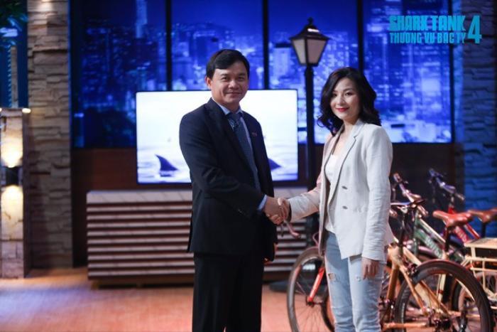 Học vấn đáng nể của nữ CEO xinh đẹp khiến Shark Phú bị chỉ trích 'quấy rối' Ảnh 1