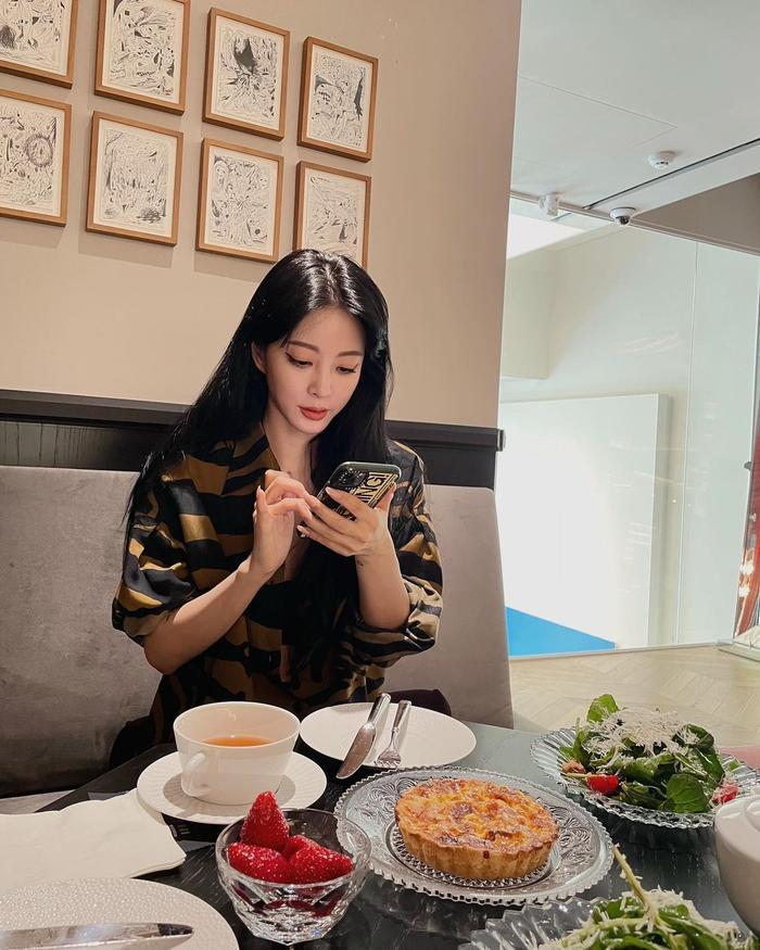 Mỹ nhân Han Ye Seul gây sốc khi công khai bạn trai, người hâm mộ gửi lời chúc mừng Ảnh 3