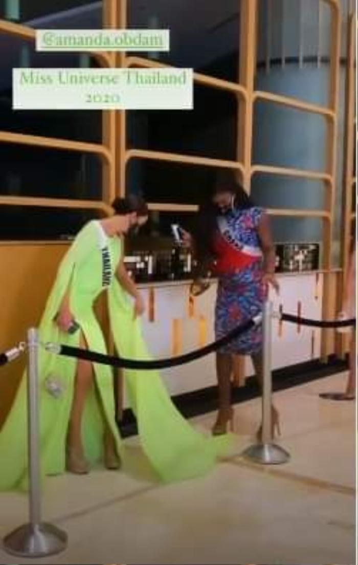 Miss Universe 2020: Hoa hậu Thái Lan bị đạp rách váy vì mặc 'lồng lộn', cố tình đi chậm chụp ảnh Ảnh 2