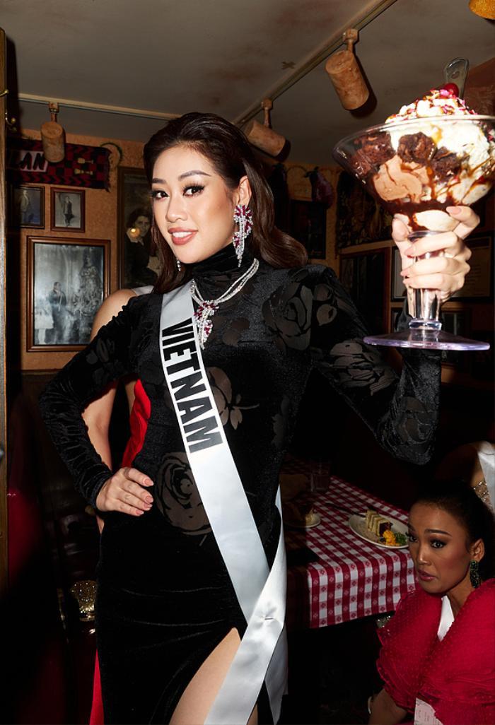 Hoa hậu Khánh Vân bị lộ nọng cằm nhưng fan lại mừng rỡ vô cùng, lạ chưa! Ảnh 4