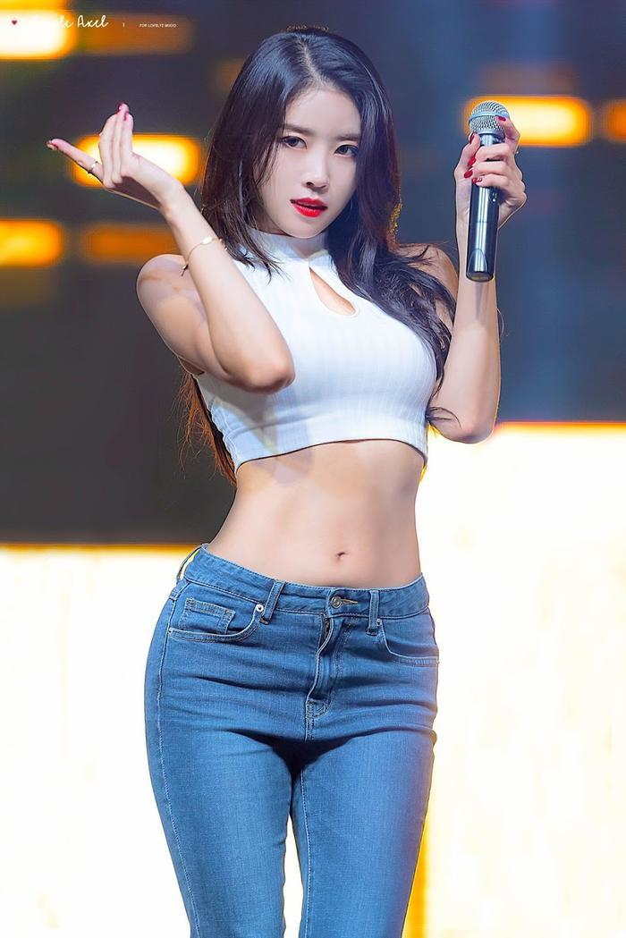 BXH dàn idol Kpop visual đẹp từ bé: Suzy vượt mặt Yoona nhưng sao chẳng thấy bóng dáng BLACKPINK? Ảnh 33