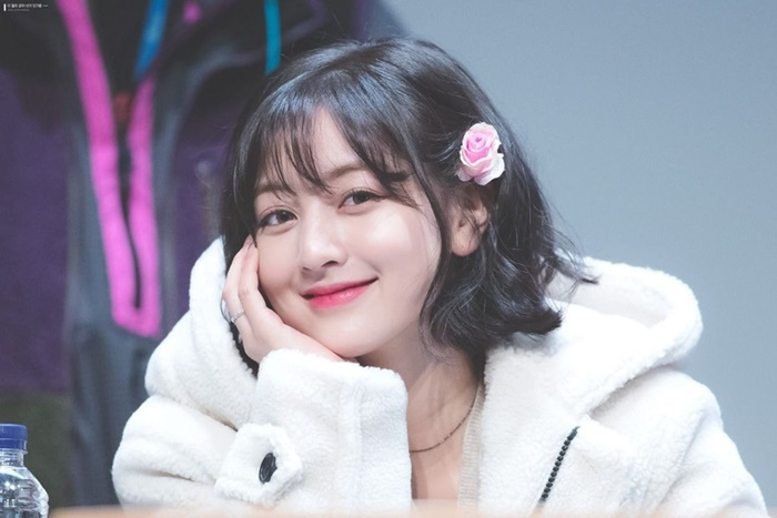 BXH dàn idol Kpop visual đẹp từ bé: Suzy vượt mặt Yoona nhưng sao chẳng thấy bóng dáng BLACKPINK? Ảnh 17