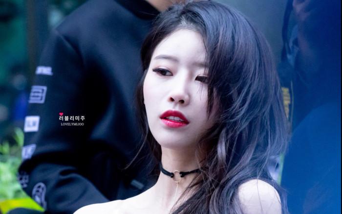 BXH dàn idol Kpop visual đẹp từ bé: Suzy vượt mặt Yoona nhưng sao chẳng thấy bóng dáng BLACKPINK? Ảnh 34