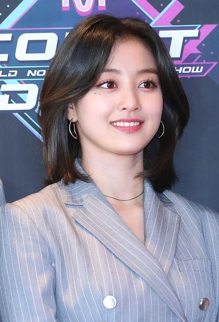 BXH dàn idol Kpop visual đẹp từ bé: Suzy vượt mặt Yoona nhưng sao chẳng thấy bóng dáng BLACKPINK? Ảnh 18