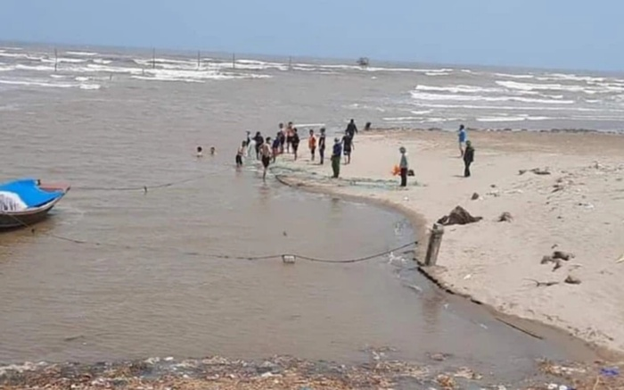 Vụ 3 học sinh lớp bị đuối nước mất tích: Cả 3 là học sinh nữ, đã tìm thấy thi thể 1 nạn nhân Ảnh 1