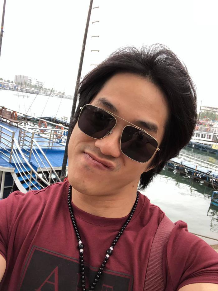 Gymer Duy Nguyễn bất ngờ đăng tải ảnh 'thân mật' cùng vợ chồng ông Dũng 'lò vôi' Ảnh 1