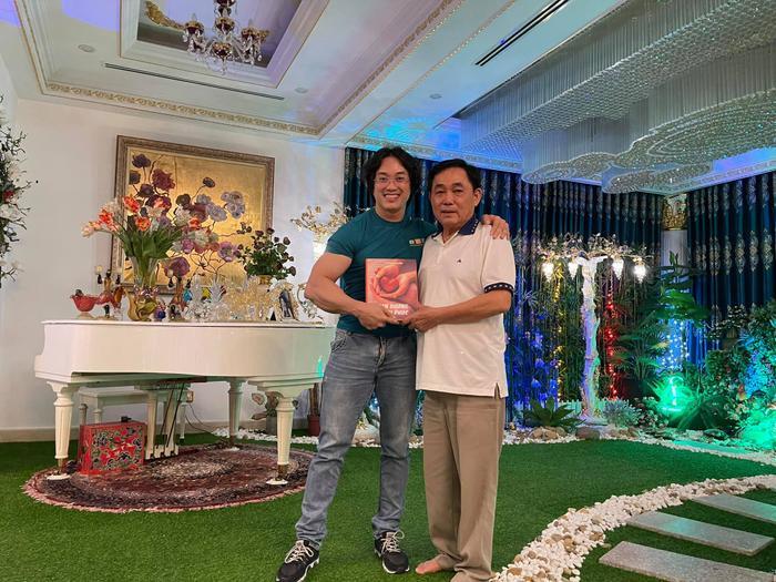 Gymer Duy Nguyễn bất ngờ đăng tải ảnh 'thân mật' cùng vợ chồng ông Dũng 'lò vôi' Ảnh 5