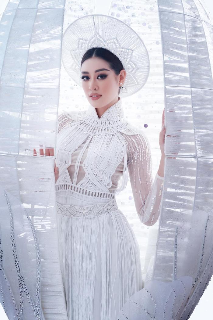 Sát giờ G - Missosology đưa Khánh Vân cán đích Top 10 và 'đẩy' Philippines lên á hậu 4 Miss Universe Ảnh 7