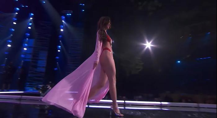 Khánh Vân đốt cháy bán kết Miss Universe với body rực lửa: Catwalk thần sầu, pose dáng tạo hit siêu đỉnh Ảnh 6