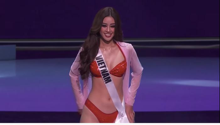 Khánh Vân đốt cháy bán kết Miss Universe với body rực lửa: Catwalk thần sầu, pose dáng tạo hit siêu đỉnh Ảnh 2