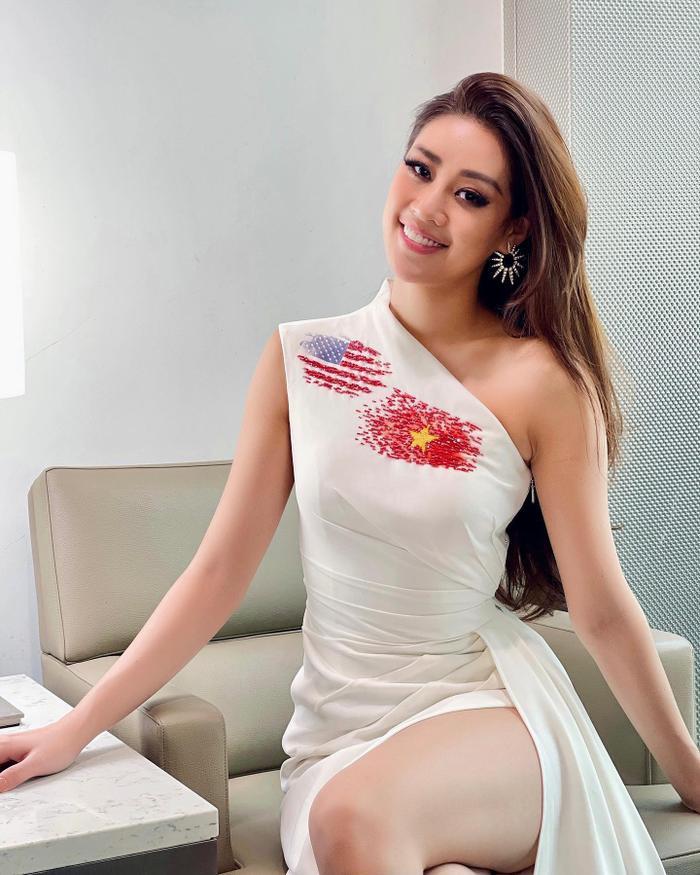 Hành trình lọt Top 21 Miss Universe của Khánh Vân: Trái tim yêu thương tỏa sáng với sự ấm áp Ảnh 9