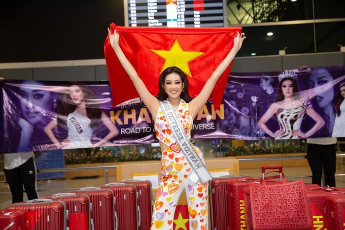 Hành trình lọt Top 21 Miss Universe của Khánh Vân: Trái tim yêu thương tỏa sáng với sự ấm áp Ảnh 8
