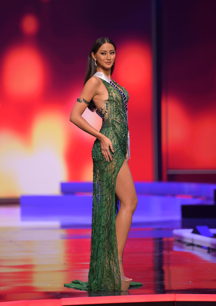 10 bộ váy dạ hội đẹp nhất bán kết Miss Universe: Khánh Vân xứng đáng giật giải Best Evening Gown Ảnh 9