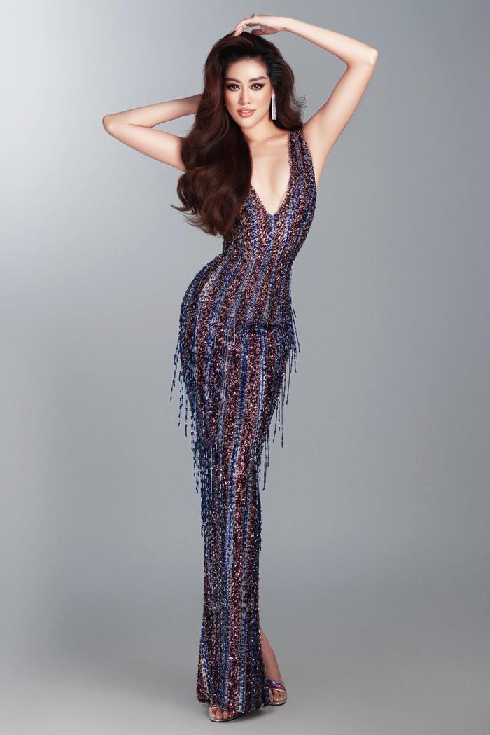 7 giây 'thần thánh' của Khánh Vân mở màn bán kết Miss Universe: Trái tim ấm áp - Thần thái rạng ngời Ảnh 10