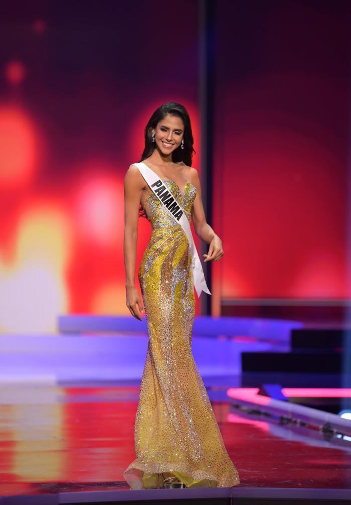 10 bộ váy dạ hội đẹp nhất bán kết Miss Universe: Khánh Vân xứng đáng giật giải Best Evening Gown Ảnh 8