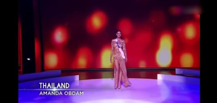 Hoa hậu Thailand bị chê vòng 1 như hai gáo dừa 'giả trân' tại Bán kết Miss Universe 2020 Ảnh 4