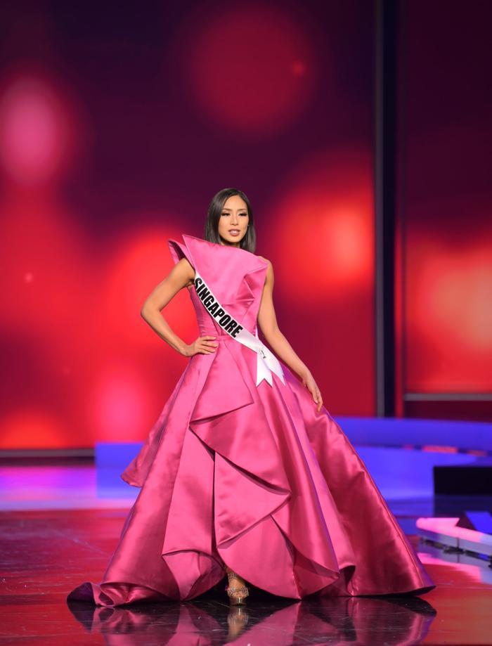 Những chiếc váy dìm dáng, lộ khuyết điểm hình thể tại bán kết MU20 khiến fan ngán ngẩm Ảnh 7
