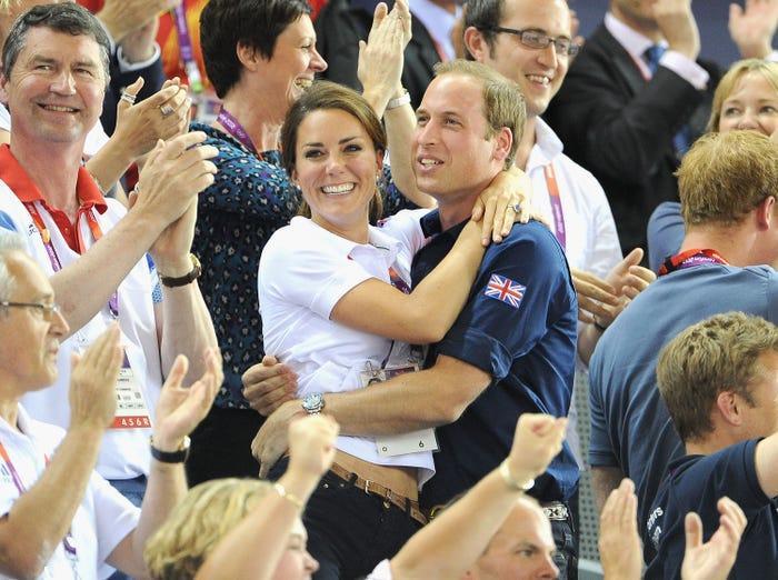 17 bức ảnh cho thấy Hoàng tử William và Kate cũng như bao cặp đôi bình thường Ảnh 4