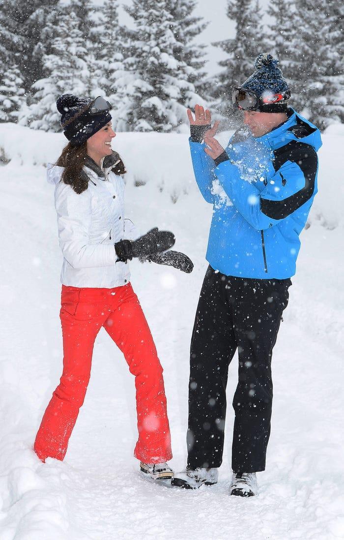 17 bức ảnh cho thấy Hoàng tử William và Kate cũng như bao cặp đôi bình thường Ảnh 7