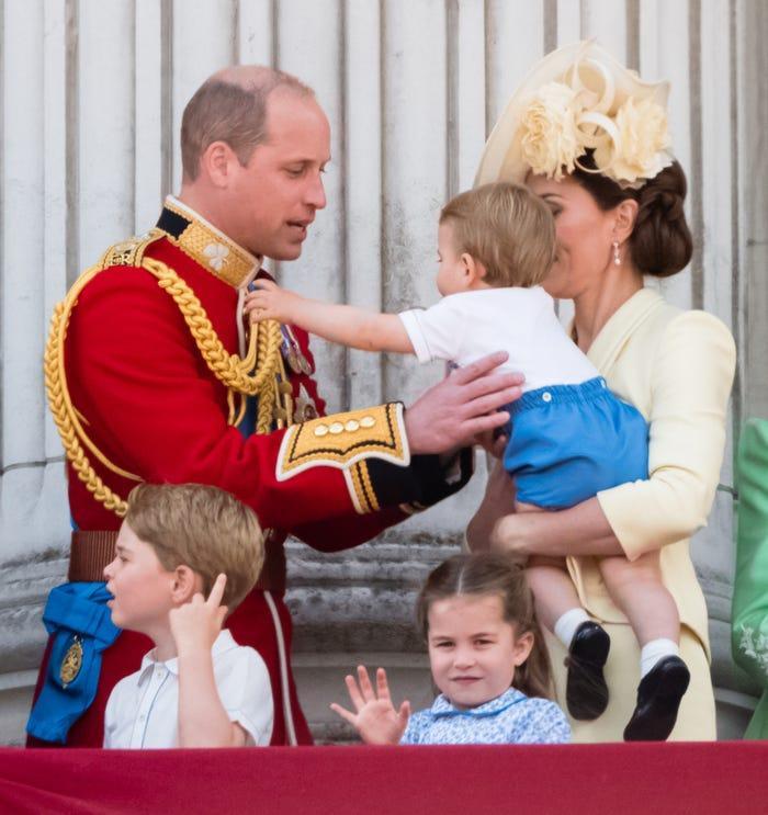 17 bức ảnh cho thấy Hoàng tử William và Kate cũng như bao cặp đôi bình thường Ảnh 14