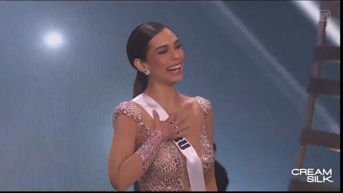 Trực tiếp chung kết Miss Universe 2020: Công bố top 5, người đẹp Mexico - Brazil - Peru đều góp mặt Ảnh 74