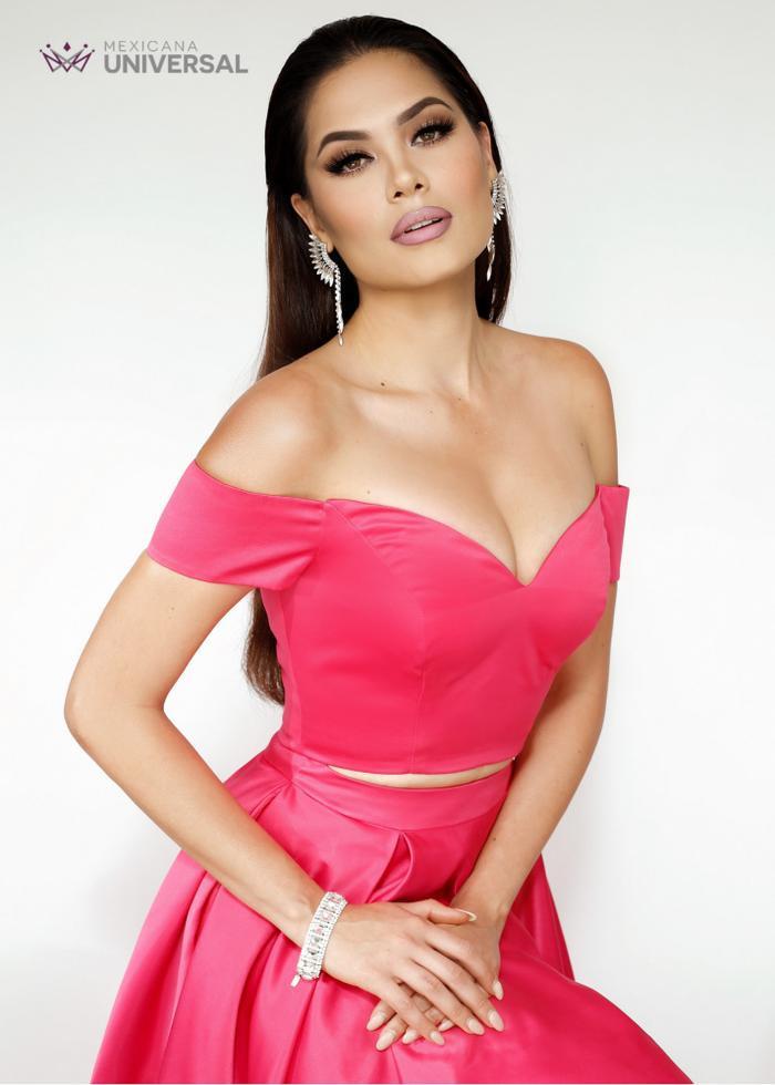 Nhan sắc và body cực phẩm của tân Hoa hậu Hoàn vũ 2020: Từng nổi danh với á hậu 1 Miss World 2017 Ảnh 6