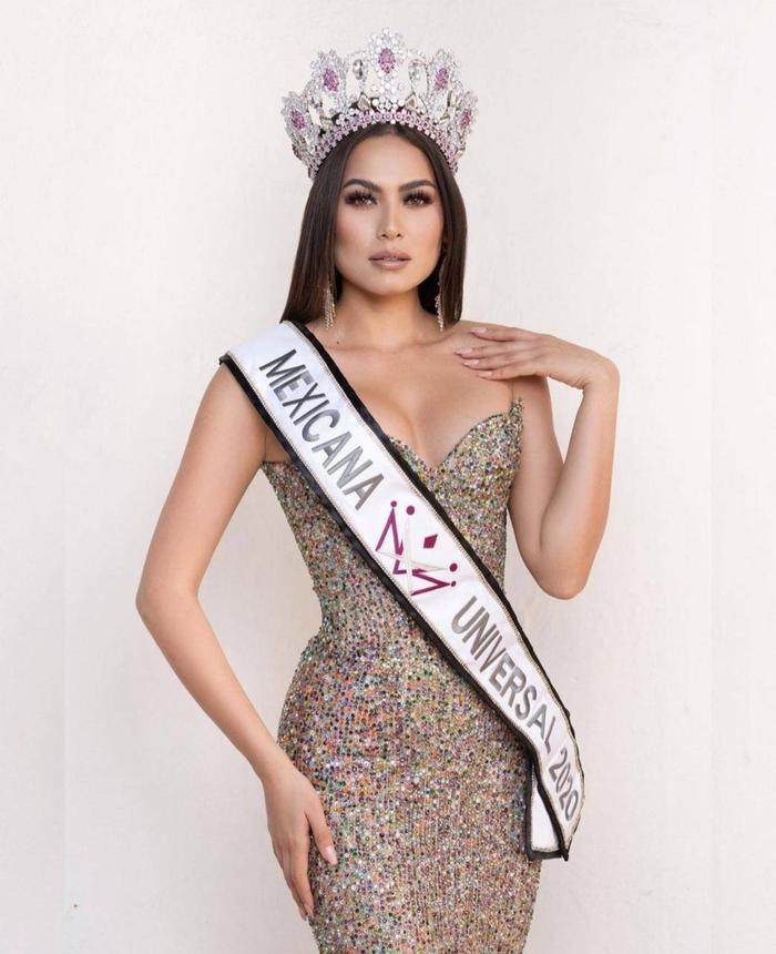 Nhan sắc và body cực phẩm của tân Hoa hậu Hoàn vũ 2020: Từng nổi danh với á hậu 1 Miss World 2017 Ảnh 2