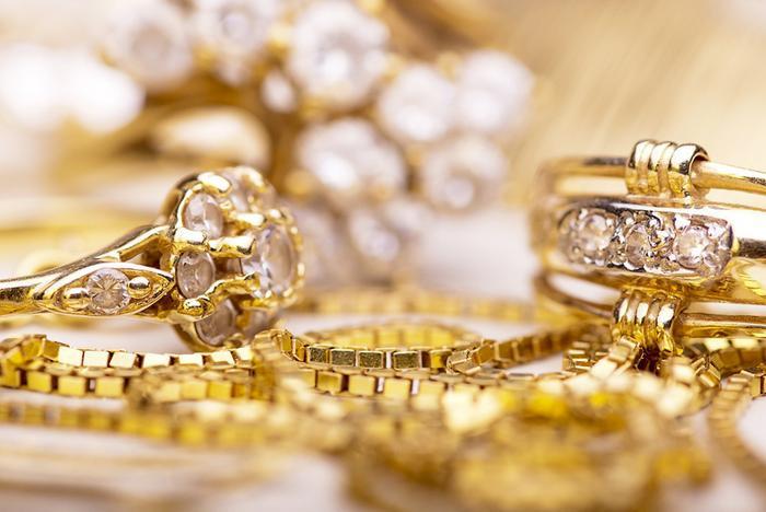 Giá vàng hôm nay 17/5: Mở phiên đầu tuần, vàng tiếp tục tăng nóng, vượt mốc 1.852 USD/ounce Ảnh 4