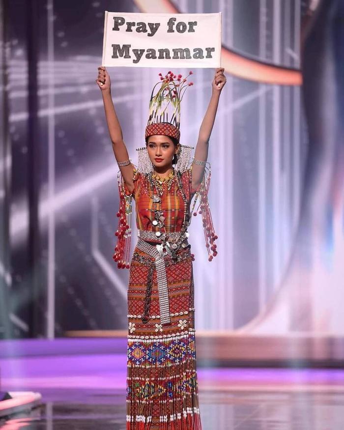 Mất hành lý, Hoa hậu Myanmar diễn đồ kiều bào tặng, nhận giải Trang phục dân tộc đẹp nhất MU20 Ảnh 1