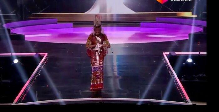 Mất hành lý, Hoa hậu Myanmar diễn đồ kiều bào tặng, nhận giải Trang phục dân tộc đẹp nhất MU20 Ảnh 2
