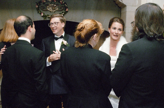Thông tin chấn động hé lộ về con người thật của Bill Gates: 'Vẫn gạ gẫm các nhân viên nữ dù đã có vợ con' Ảnh 2