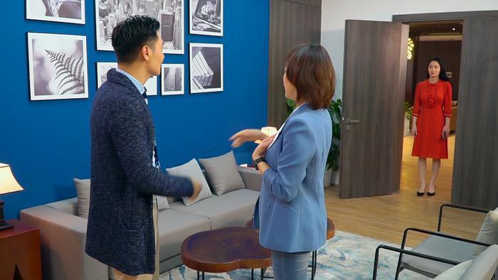 Tập 20 'Hương vị tình thân': Hôm trước 'tắm chung' hôm sau Phương Oanh về làm cấp dưới 'đặc biệt' của Sếp