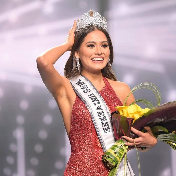 Miss Universe 2020 bị bóc phốt vi phạm 'luật chơi', lộ ảnh kết hôn từ 2 năm trước? Ảnh 1