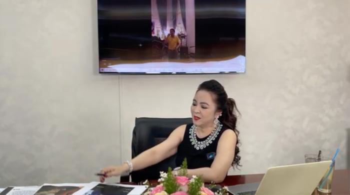Lần hiếm hoi bà Nguyễn Phương Hằng nhắc đến người thân duy nhất, khẳng định đã 'cạch mặt' anh chị em Ảnh 1