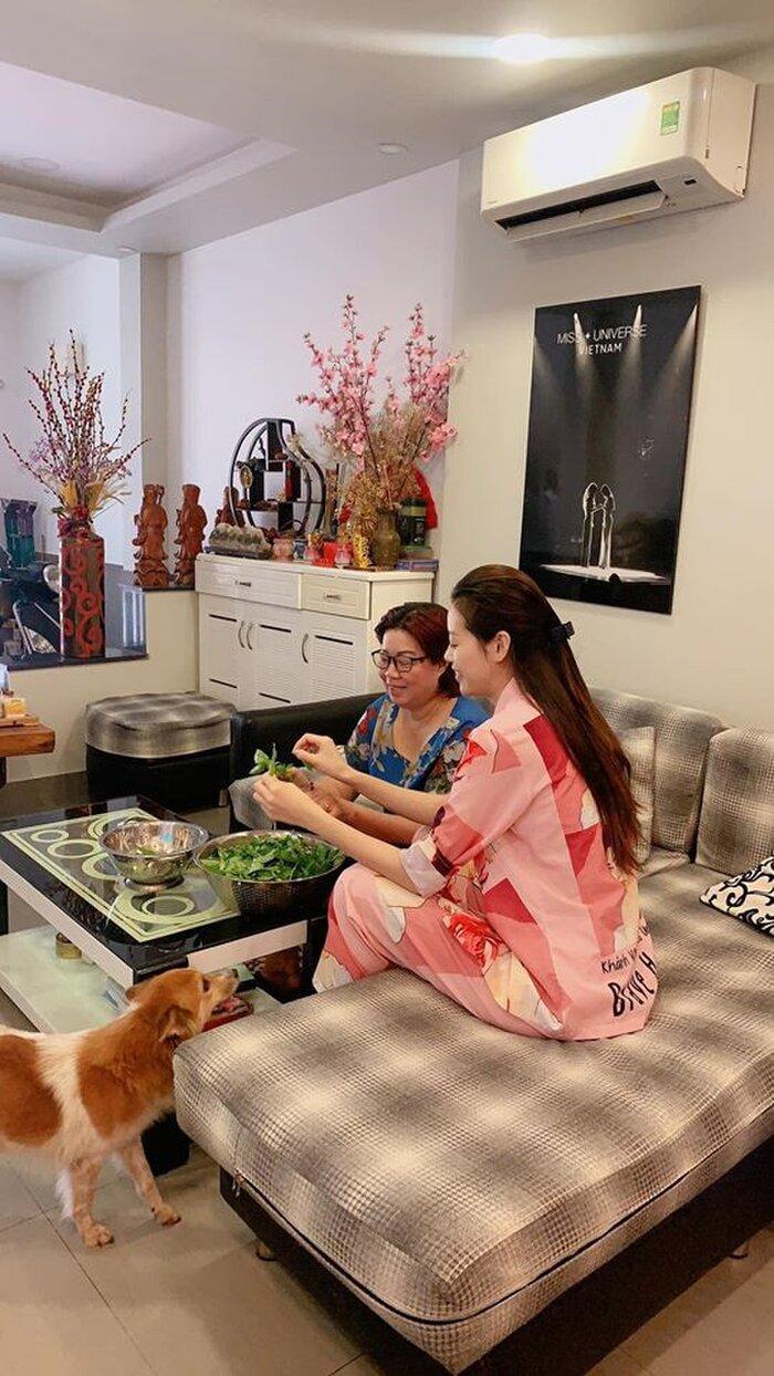 Hoa hậu Khánh Vân oà khóc khi thấy lời chúc từ ba mẹ, cô gái đã làm tốt lắm rồi, giờ về nhà thôi! Ảnh 5