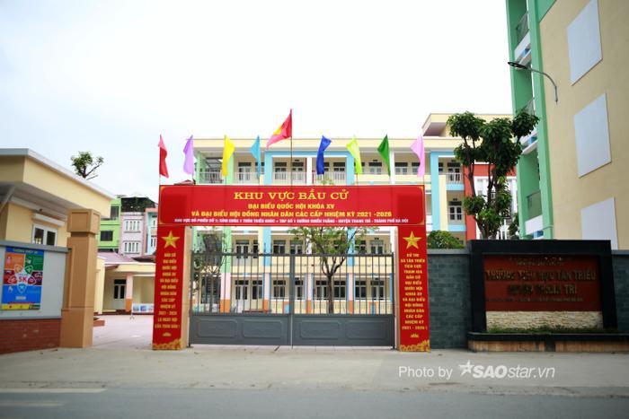 Ảnh: Đường phố Hà Nội rợp sắc cờ hoa, sẵn sàng chào đón ngày bầu cử, ngày hội toàn dân Ảnh 6