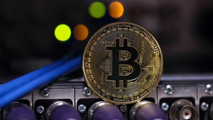 Bitcoin giảm giá trị 20% trong 24 giờ, cả thị trường 'tắm máu' Ảnh 4