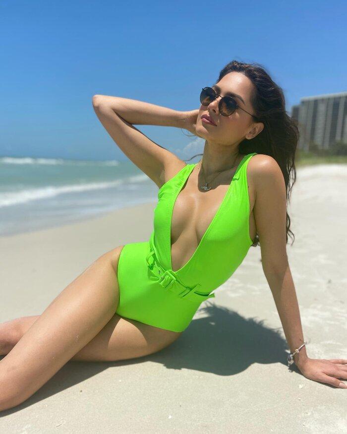 Mới đăng quang, Hoa hậu Hoàn vũ 2020 Andrea Meza đã bị soi vòng eo bèo nhèo, ngấn mỡ Ảnh 9