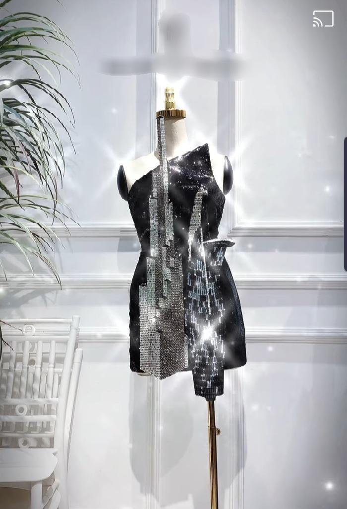 Khánh Vân khiến fan tiếc nuối khi không diện 2 bộ cánh ý nghĩa này tại Miss Universe 2020 Ảnh 2